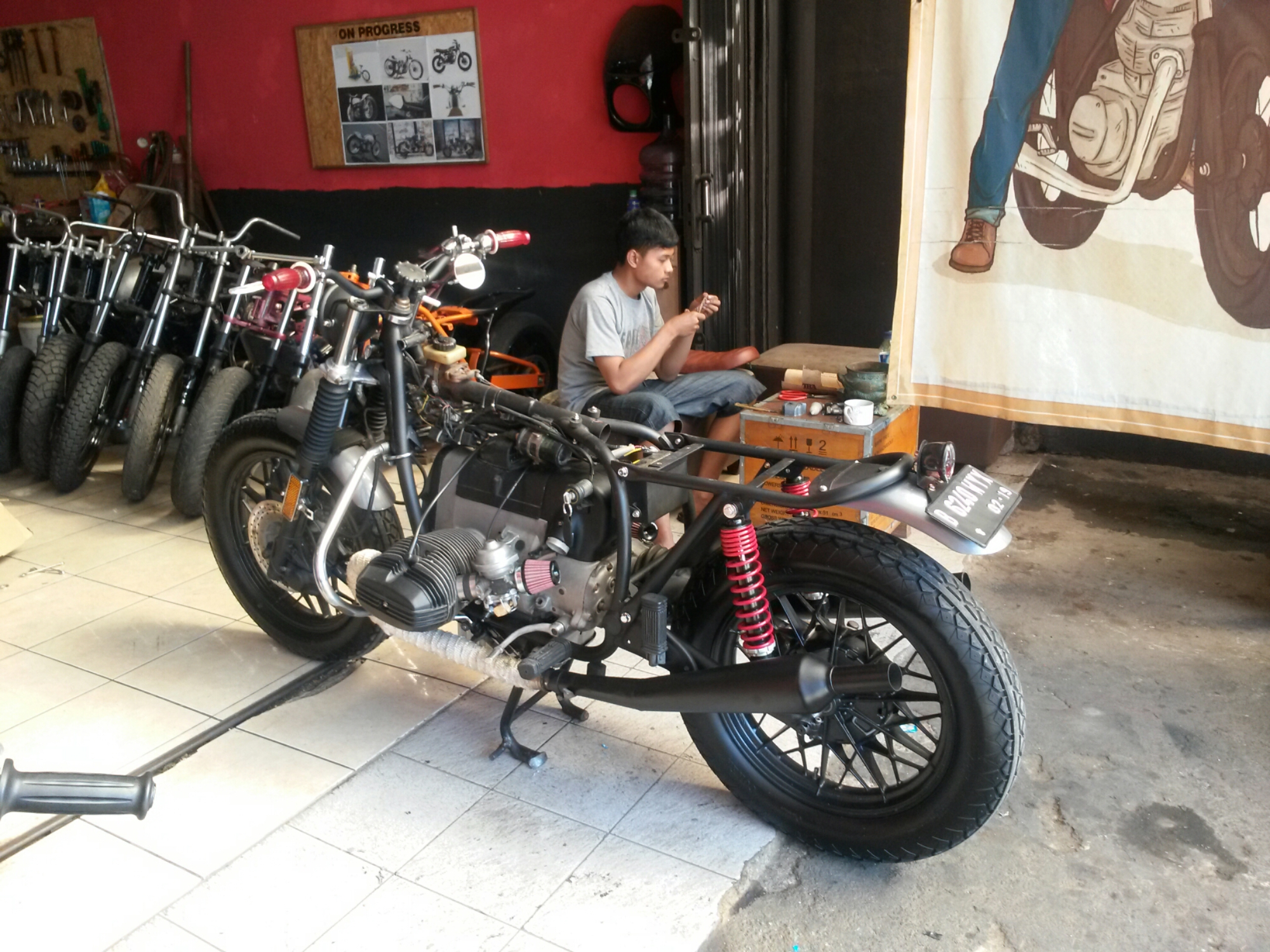 Bengkel Modifikasi Motor Custom Ottovariasi